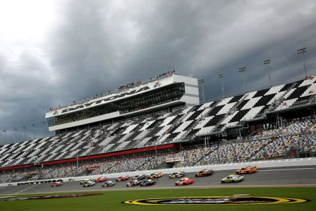 Catch NASCAR Race Excitement at Daytona Speedway