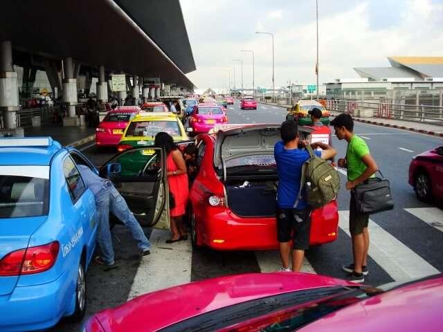 Bangkok airport taxi