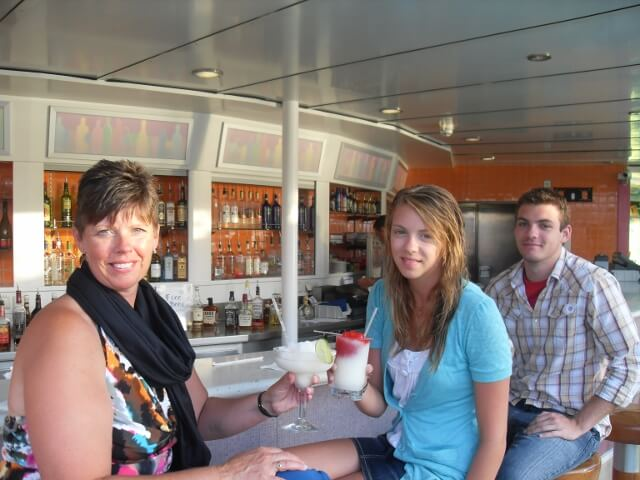 Cruise Holiday Drinks