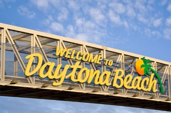 Welcome to Daytona Beach Sign Post