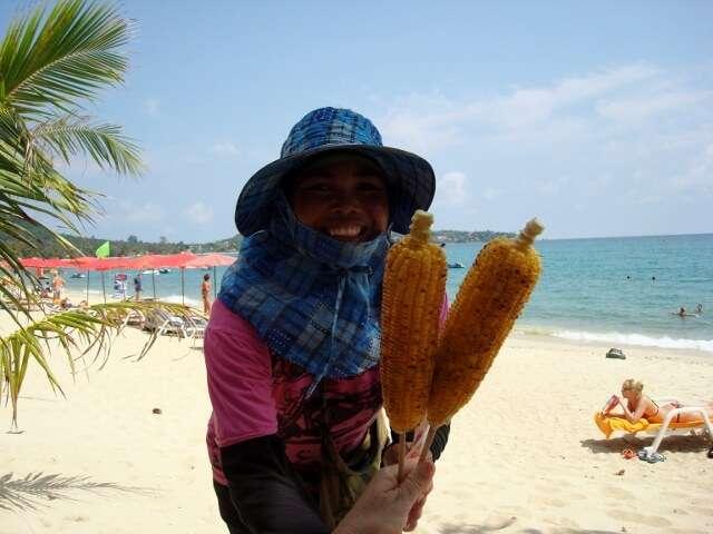 Choeng Mon Beach Vendors