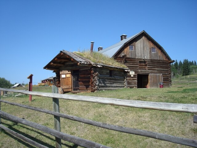 Travel Photo Den – Old Homestead