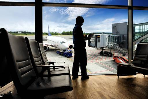 charging laptops at airports