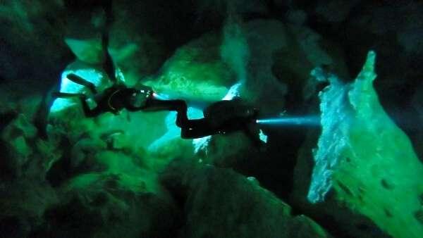 Cenotes Dos Ojos Scuba Divers