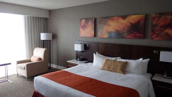 Delta Ocean Pointe Resort Guestroom
