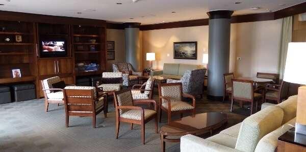Delta Victoria Hotel Club Floor Lounge
