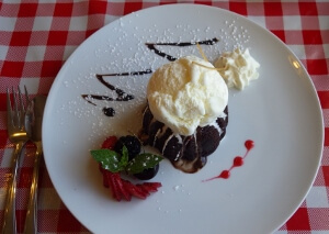 Aioli's Warm Choco Cake