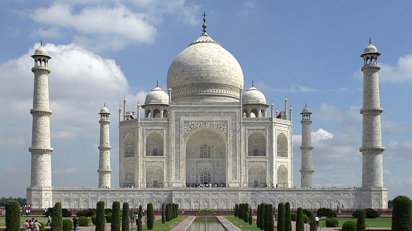 A Few Helpful Taj Mahal Travel Tips