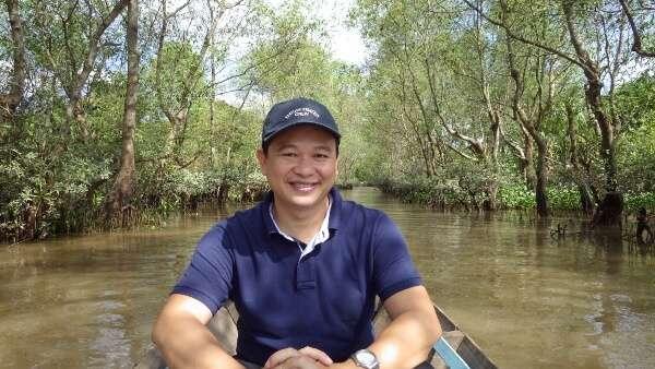 Vietnam Alive Travel Guide