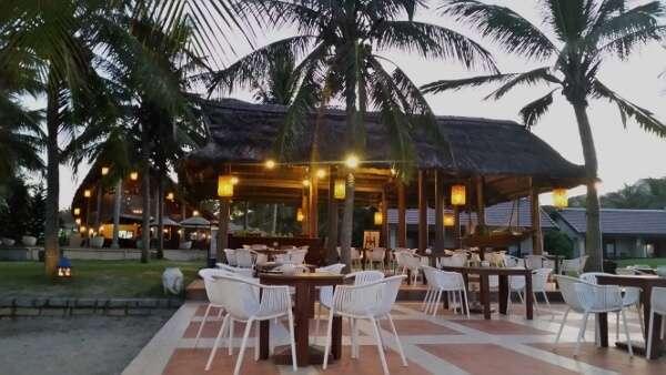 Palm Garden Resort & Spa Beachfront Lounge