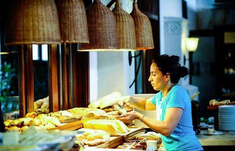 Palm Garden Resort Terrace Buffet
