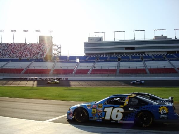 A collection of best travel tips edition 1 gr8 travel tips for Nascar experience las vegas motor speedway