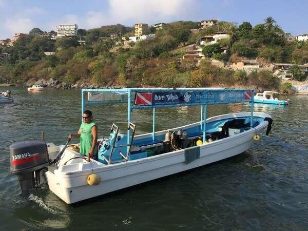 Dive Zihua Boat