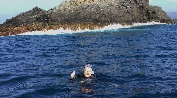 Diving Solitary Rock Zihuatanejo