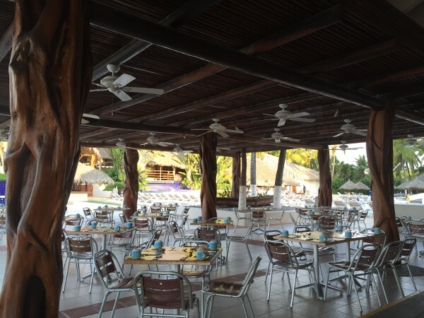 Park Royal Ixtapa Beach Front Buffet