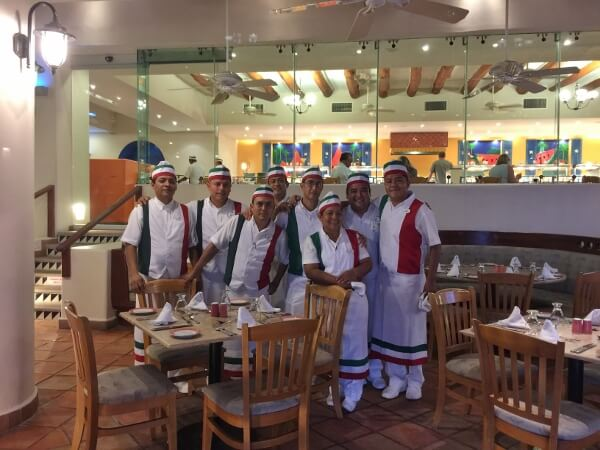 Park Royal Ixtapa Restaurant Staff