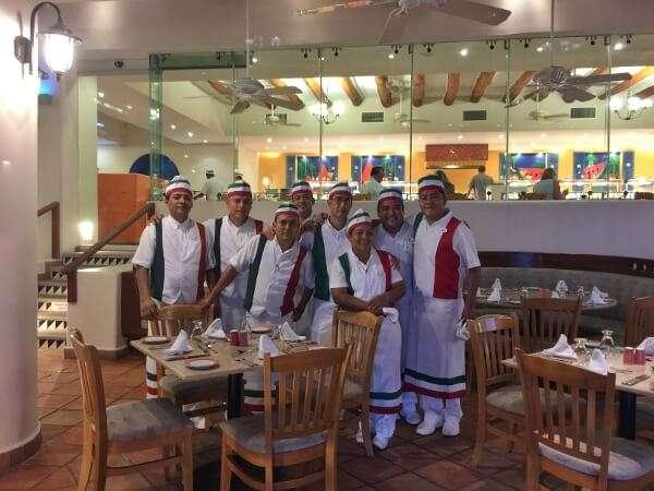 Park Royal Ixtapa restaurant staff