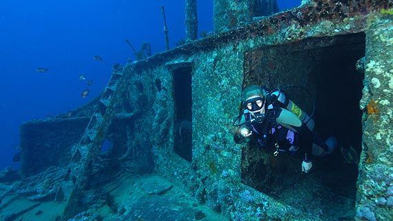 Wreck Diving in Dubai