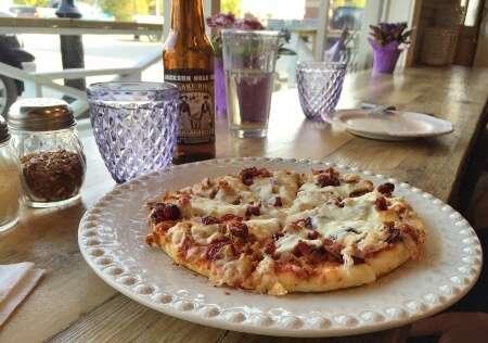 Tims Pizzeria Spolumbo Sausage Pizza