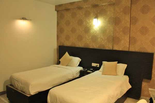 Hotel Park Plaza Twin Bed Room