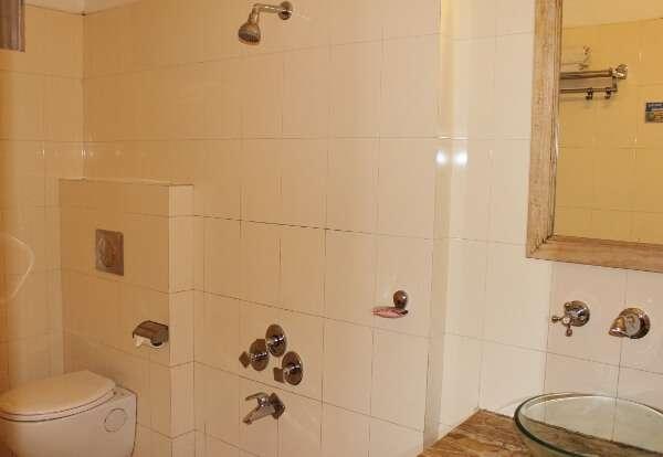 Udai Garh Heritage Resort Standard Room Bath