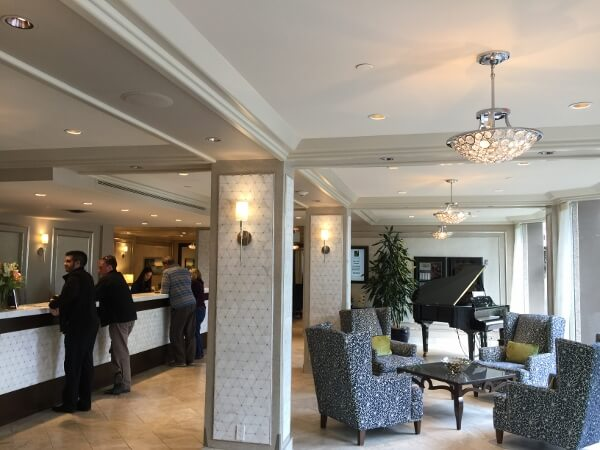 Chateau Victoria Hotel & Suites Reception