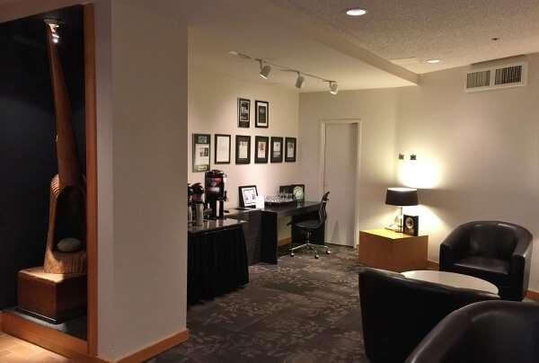 Inn at Laurel Point Coffee Lounge