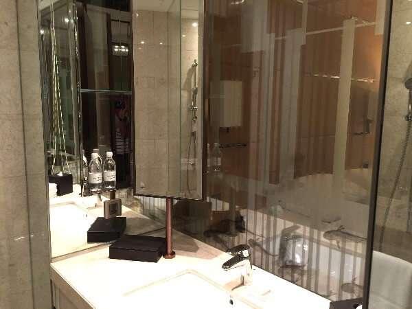 Courtyard Marriott Hong Kong Sha Tin Bathroom