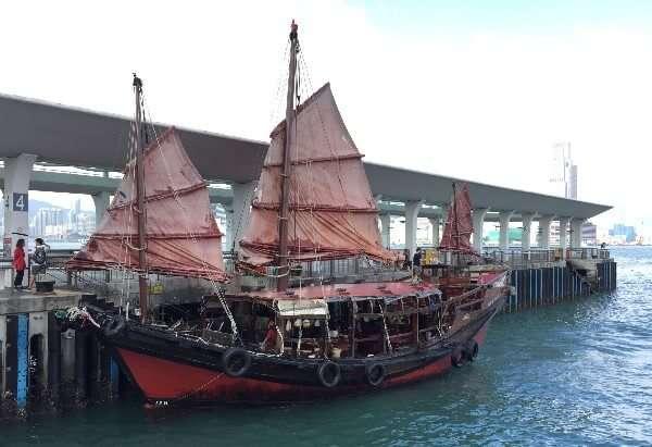 Dukling Cruise Hong Kong