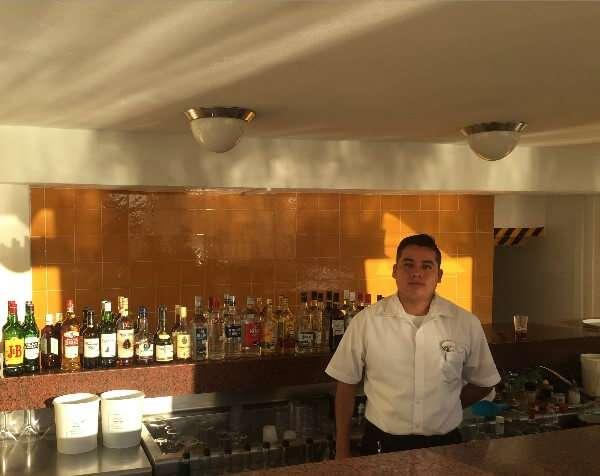 Park Royal Huatulco Bartender