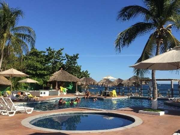 Park Royal Huatulco Beachfront Swimming Pool