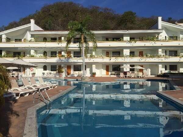 Park Royal Huatulco Swimming Pool