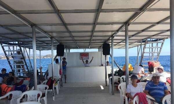 Huatulco Bays Tour Catamaran