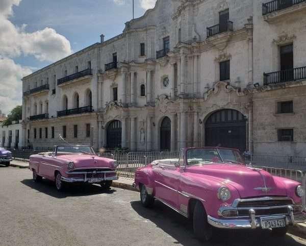 Classic American Autos In Cuba