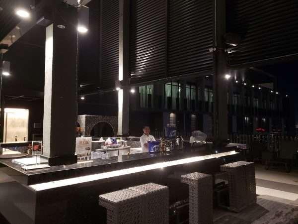 Bai Hotel Cebu Pool Deck Bar