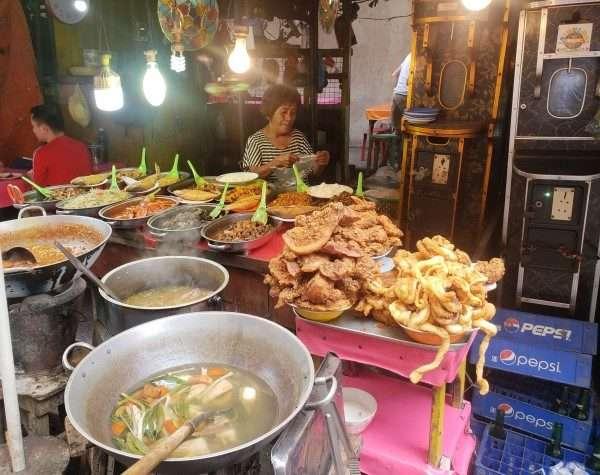 Cebu City Street Food Vendor