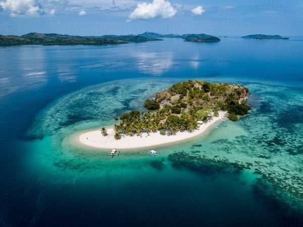Pass Island Coron Philippines