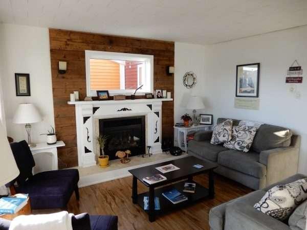 Inn On Capelin Bay Living Room