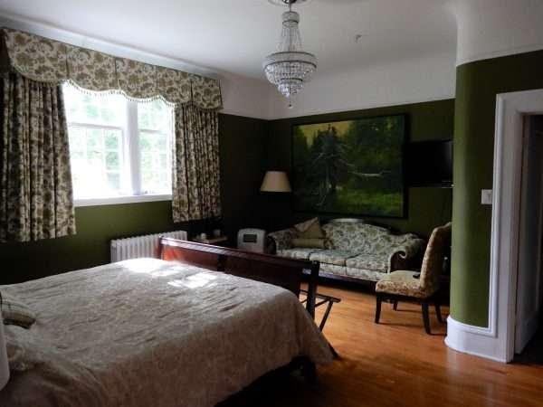 Monroe House St. John's Guest Room