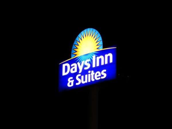 Days Inn & Suites Moncton Neon Sign
