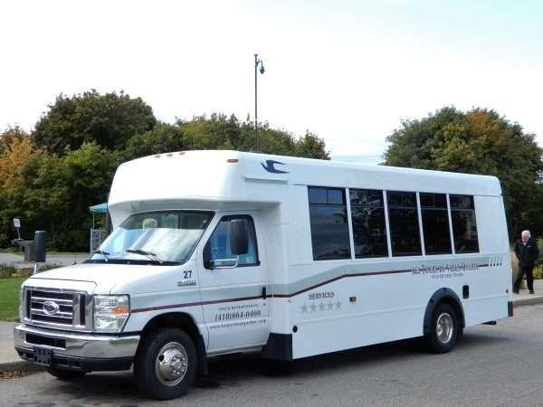 Les Tours Du Vieux Quebec Mini Bus