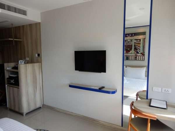 The Holiday Inn Express Krabi Ao Nang Beach guest room