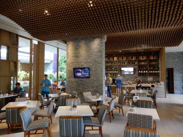 Holiday Inn Express Phuket Patong Beach Central Buffet Restaurant