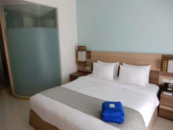 Holiday Inn Express Phuket Patong Beach Central King Guestroom