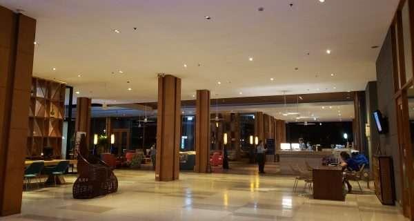 Holiday Inn Express Phuket Patong Beach Central  Lobby